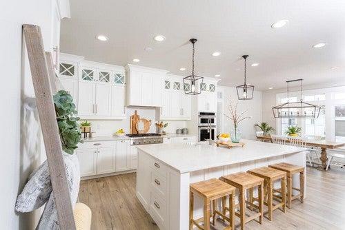 5 elementos decorativos modernos para uma casa de fazenda