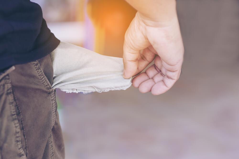 Não esvaziar os bolsos