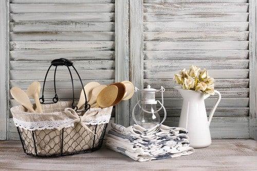 A cozinha pode ser austera ou luxuosa, mas nem por isso deixa de ser aconchegante e funcional