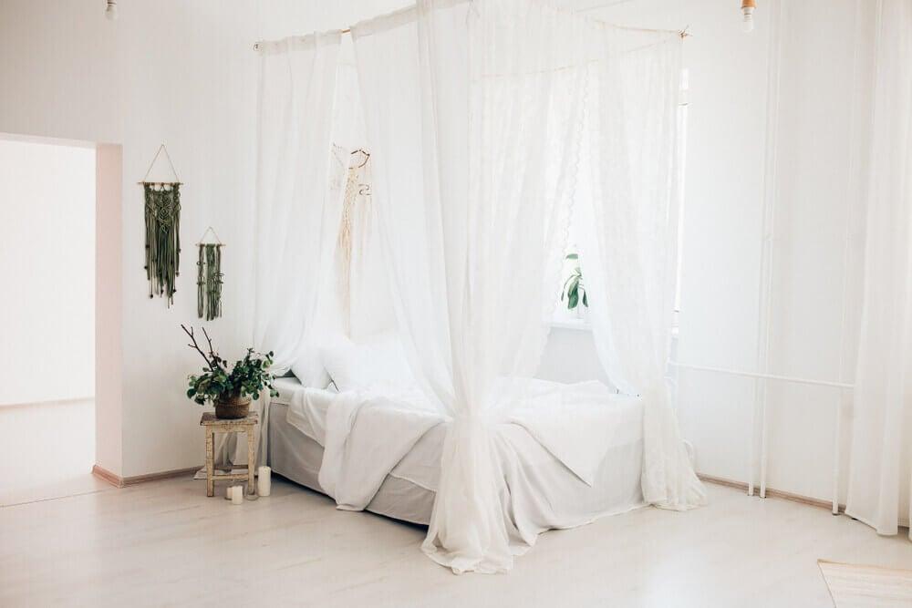 Móvéis que nunca saem de moda: cama com dossel