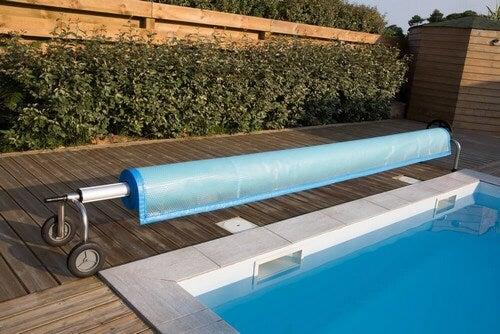 As lonas para cobrir uma piscina são bem econômicas
