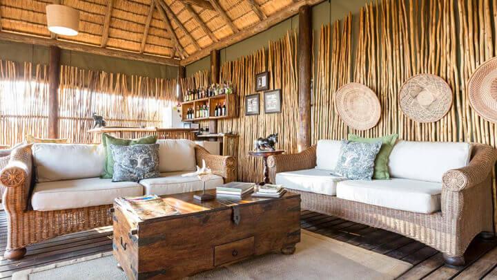 Uma casa no estilo Out of Africa: decoração selvagem