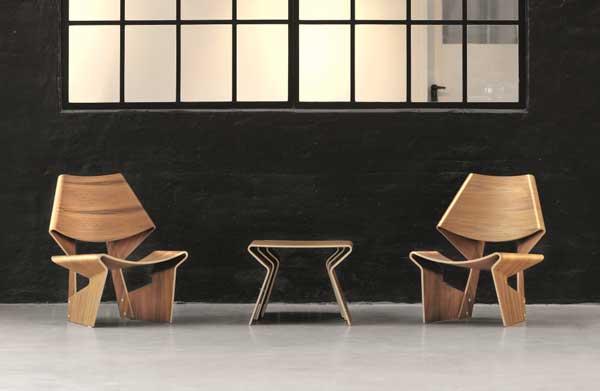 A cadeira GJ de Grete Jalk em madeira compensada curvada