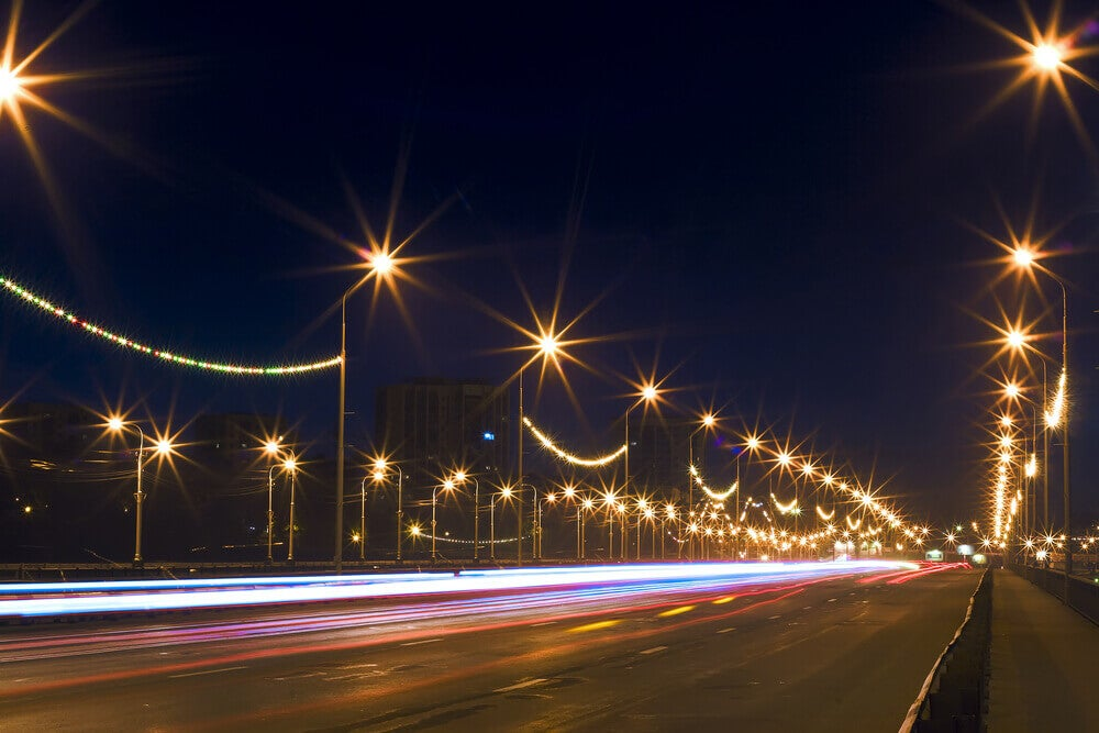 a iluminação das grandes cidades