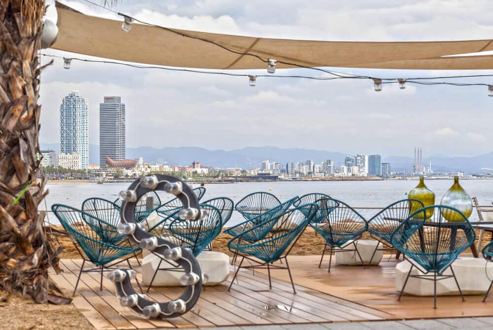 Decoração para o terraço de um bar