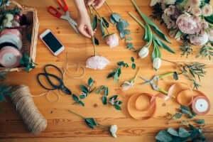 Composições florais para mesas informais