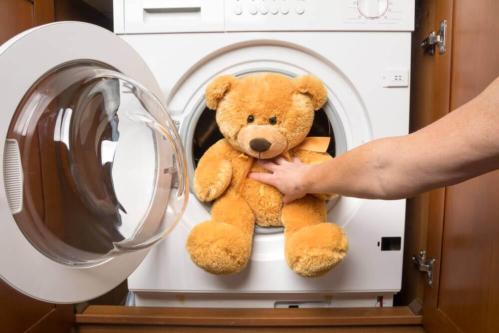 Lave os brinquedos dos seus filhos sem danificá-los