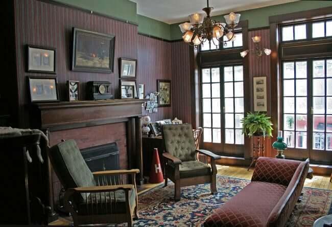 Móveis típicos do século XIX, uma visão historicista