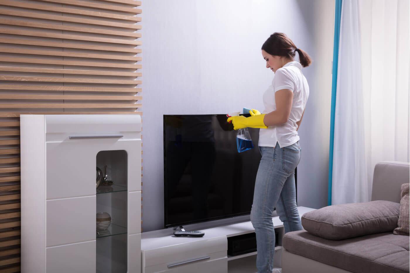 Como limpar as telas de computador e televisão