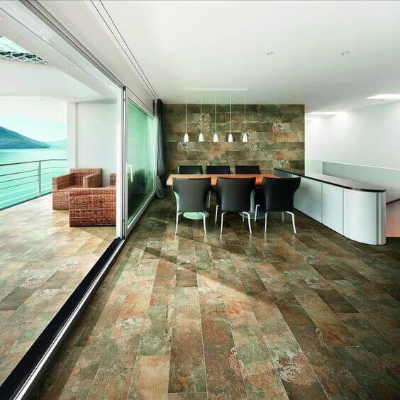 Cerâmica colorida para o piso