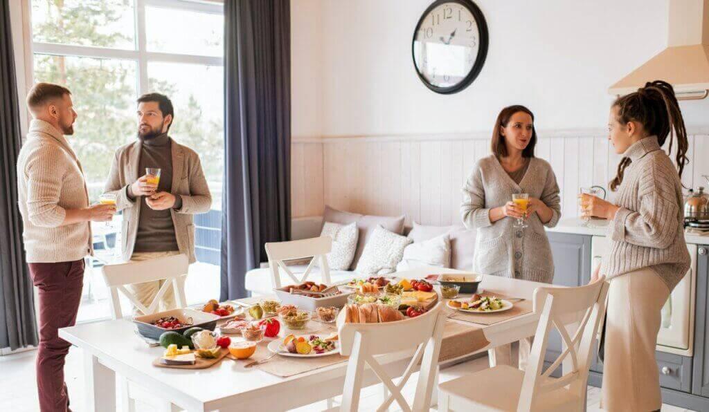Crie a mesa perfeita para um brunch em casa