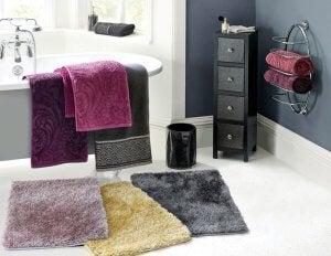 Küvet önü banyo kilimleri.