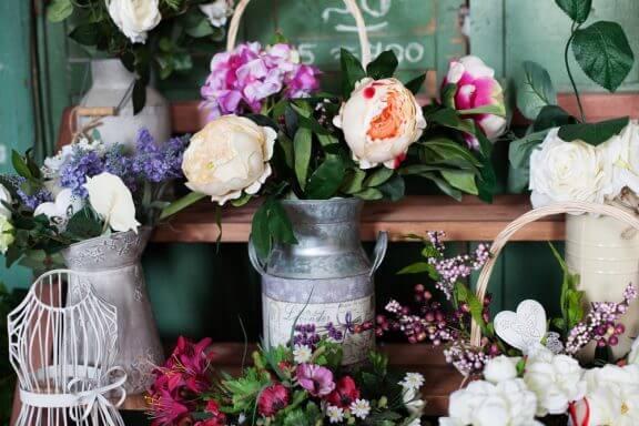 Çiçek Vazoları ile Dekorasyon için 4 Fikir