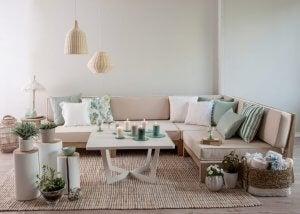Oturma odası kanepe ve sehpa