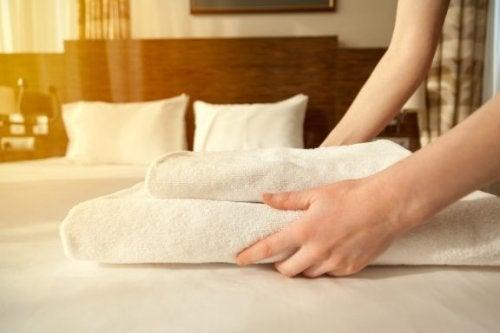 Misafir Odanızı Bu 4 Adımda Dekore Edin