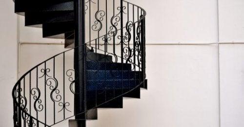 Merdivenler İçin Tırabzan Seçimi