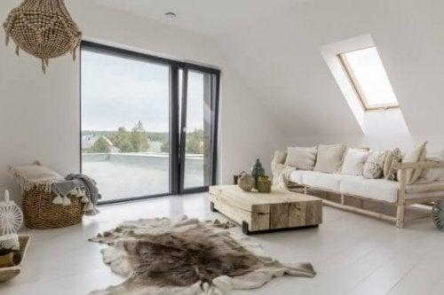 tavan arasında bir oturma odası