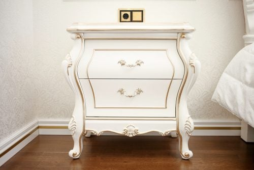 altın detaylı beyaz vintage komodin