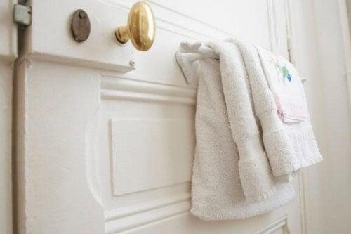 Banyoda Kullanabileceğiniz 3 İlginç Havlu Askısı