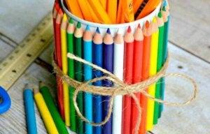 çok renkli kalemlik