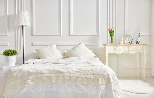 Evi Beyaz Renk Kullanarak Dekore Etmeniz İçin Fikirler