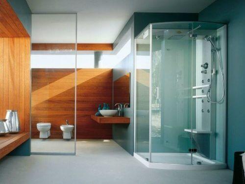 hidro masajlı duşa sahip büyük banyo