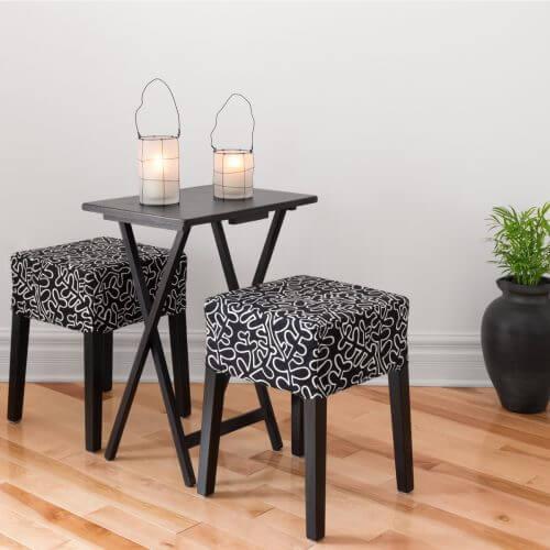 küçük alanlar için katlanabilir masa ve tabureler