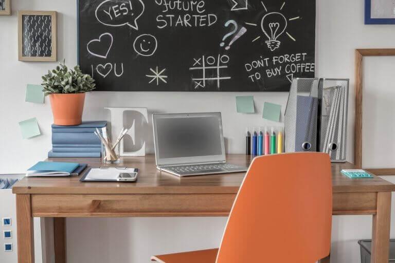 çalışma odası için kara tahta