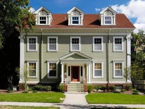 yeşil kolonyal ev