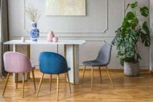 Renk uyumlu mobilyalar