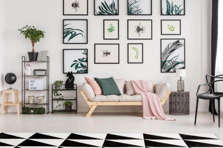 Simetrik dekorasyonlu salon