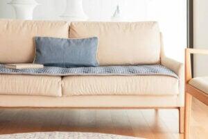 Krem rengi mobilyalar