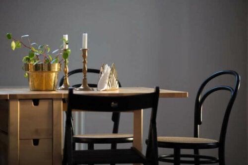 Thonet 14 Numaralı Sandalye: Dinamik Kıvrımlar