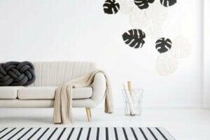 Açık bej rengi kanepelerde oldukça güzel görünüyor