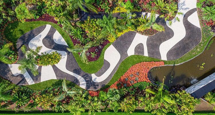 Burle Marx tarafından tasarlanan zebra desenli bahçe