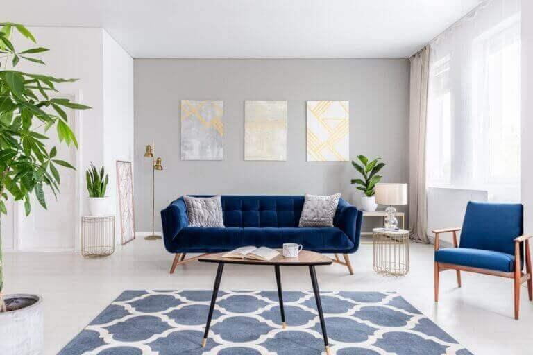 mavi mobilyalı salon