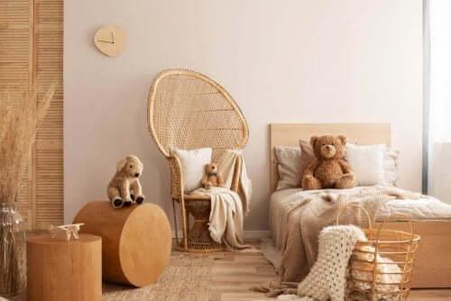 Doğru ahşap seçenekleri ile değerlendirilmiş çocuk yatak odası