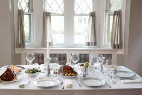 Güzel Bir Masa Kurmak İçin Göz Atmanız Gereken İpuçları