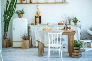 Ahşap Kinfolk tarzında mutfak masası