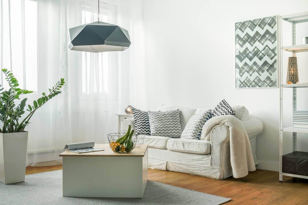 Küçük Odayı Aydınlık Bir Ortama Dönüştürün