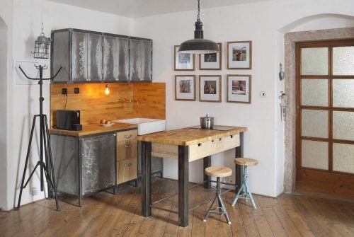 A rustic and industrial style kitchen should include timber and metal