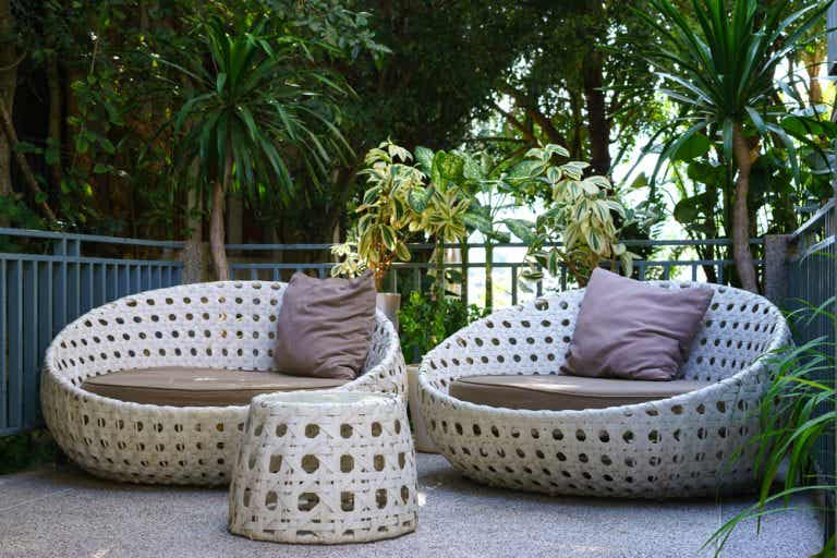 Woven Synthetic Fiber Tables for a Casual Deck Setting