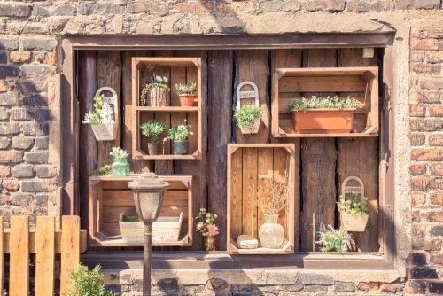 Pallet patio plant displays