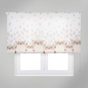 Children's blinds - as well as children's curtains - are a great option for decorating their bedroom.