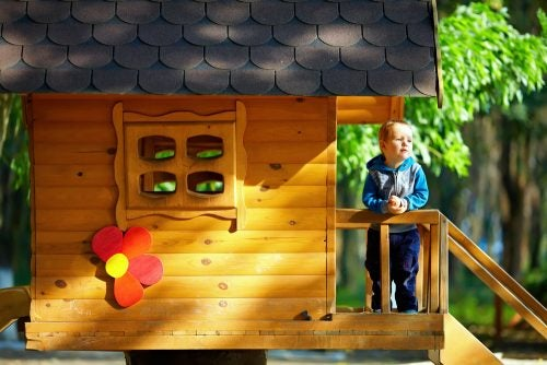 10 Wooden Houses for Kids