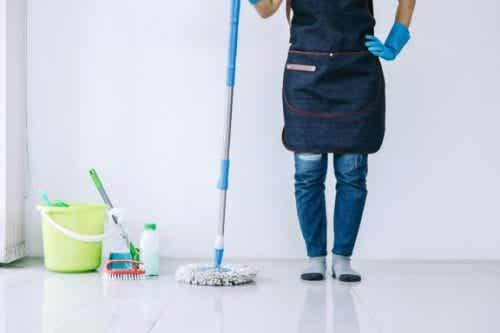 6 Tricks for Cleaning Your Home Fast