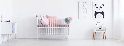 Baby crib normal