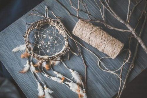 4 Beautiful Dreamcatchers to Decorate your Bedroom