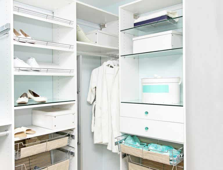 Create the Dressing Room of Your Dreams with Proper Lighting