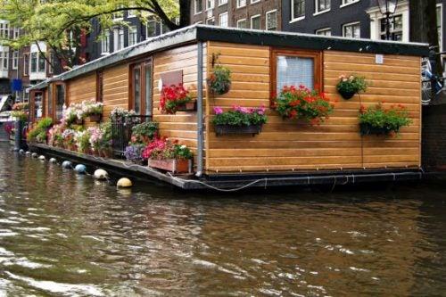 4 Beautiful Boathouses...